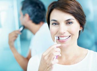 Därför blir tänderna gula