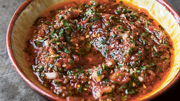 Recept-på-ezme-het-tomatröra